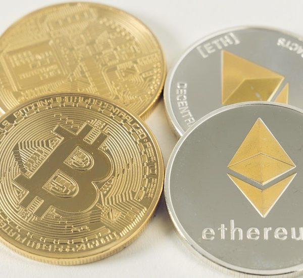 Apprendre d'avantage sur le «Blockchain», de la gouvernance d'Internet et de la cryptomonnaie Thumbnail