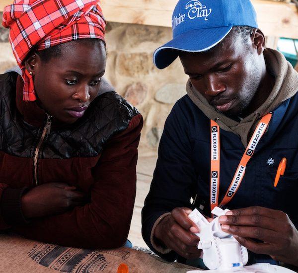 Réimaginer le Sommet sur les réseaux communautaires en Afrique pendant la pandémie de COVID-19 Thumbnail