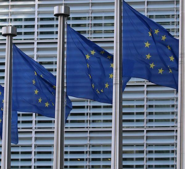 La filiales de Internet Society en la UE le piden a la Comisión Europea que se sume a la agenda del cifrado fuerte. He aquí, también, las razones para ello. Thumbnail